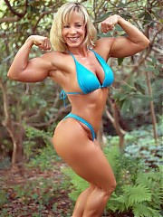 Michele Burdic showing off beautiful muscular shapes with some good definition, particularly in her back, arms and calves
