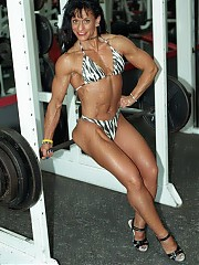 Dawn Principe 41 year old has some very strong lifts in the gym