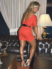 Chris Porter one of the most muscular women in the sport, and with bthe most unbelievable developed legs