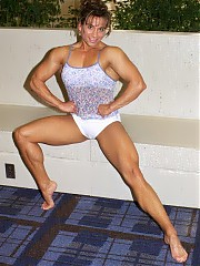 Muscularity of Shelley Yakimchuk is evenly distributed