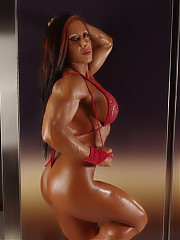 Sizzling bodybuilding babes