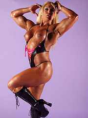 Blonde babe Lisa Cross is one hell of a muscular babe